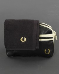 Fred Perry Necessair